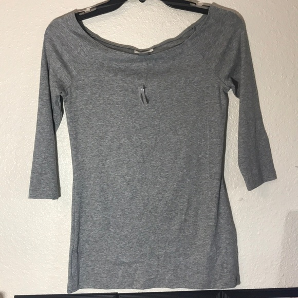 Old Navy Tops - 3/4 sleeve gray top